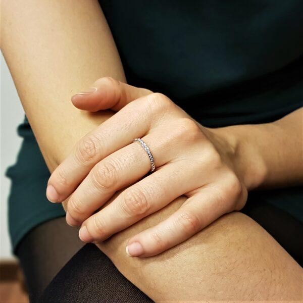 anello fede con diamanti
