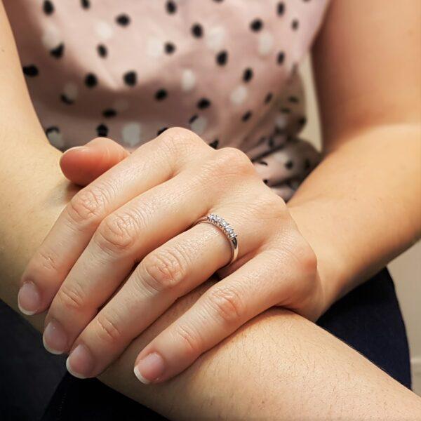 anello riviera con 5 diamanti