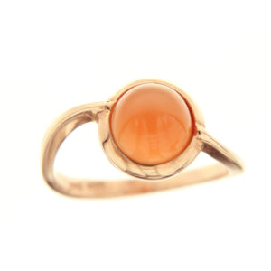 anello con pietra arancione