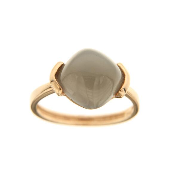 anello con pietra scura
