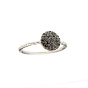 anello con pavè di diamanti neri